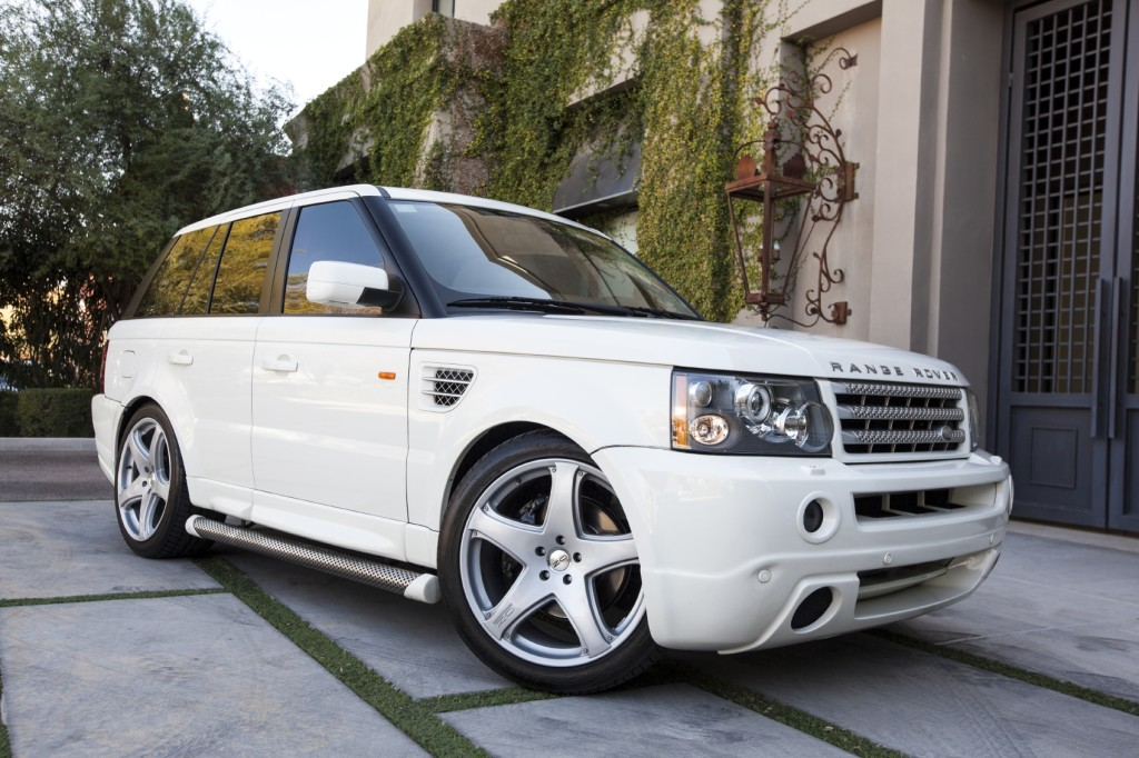 White Range Rover - iStock_000019165141_Medium