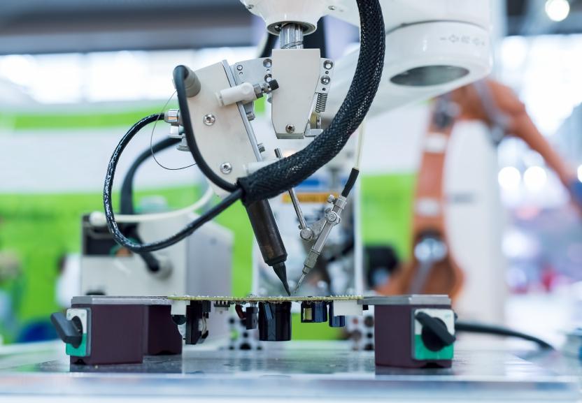 robot welder iStock_000074848813_Small