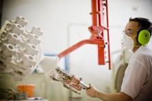 Applying a ceramic coat by hand